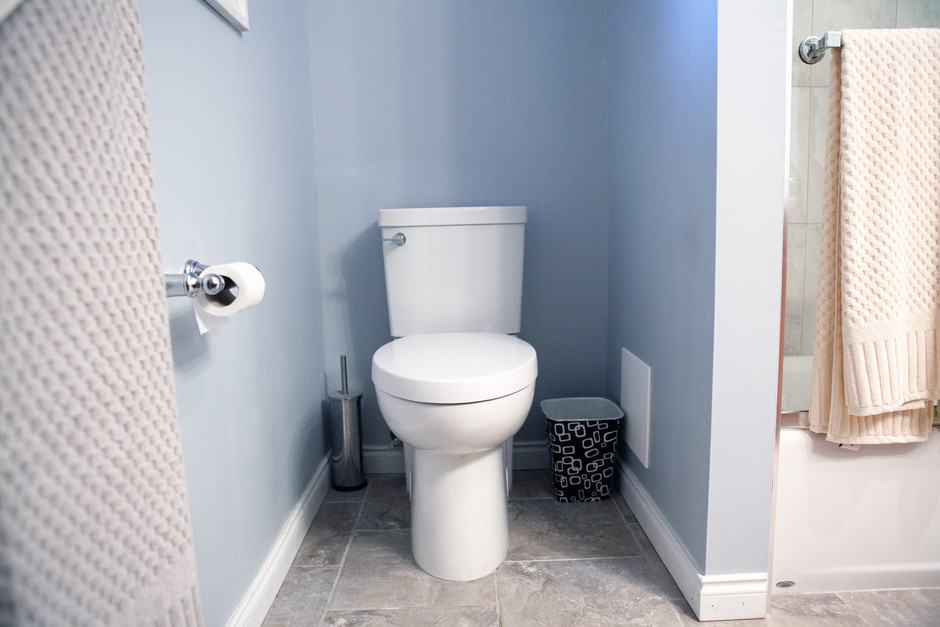 last year bartle gibson along with their partner american standard hosted the aptly named ugliest bathroom contest the program promised one 10000 - Bathroom Makeover Contest